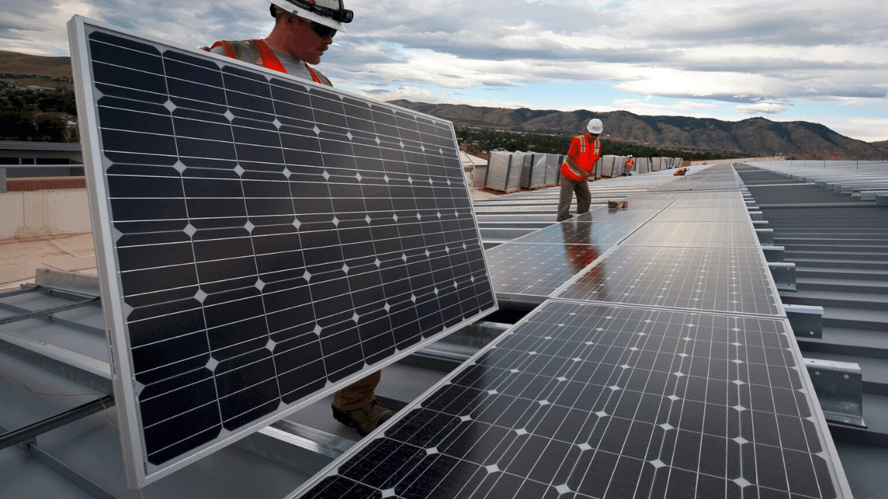 napelem lapos tető