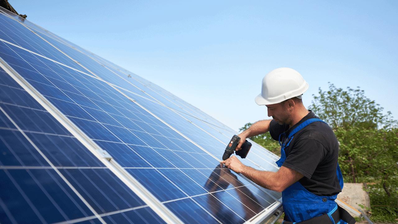 napelem szerelő